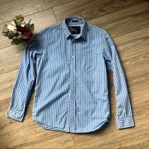 American eagle do you and why strike button shirt